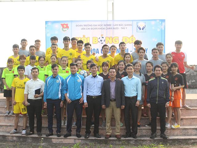 Khai mạc Giải bóng đá sinh viên khoa Chăn nuôi – Thú y tranh cúp Thú y vàng 2018